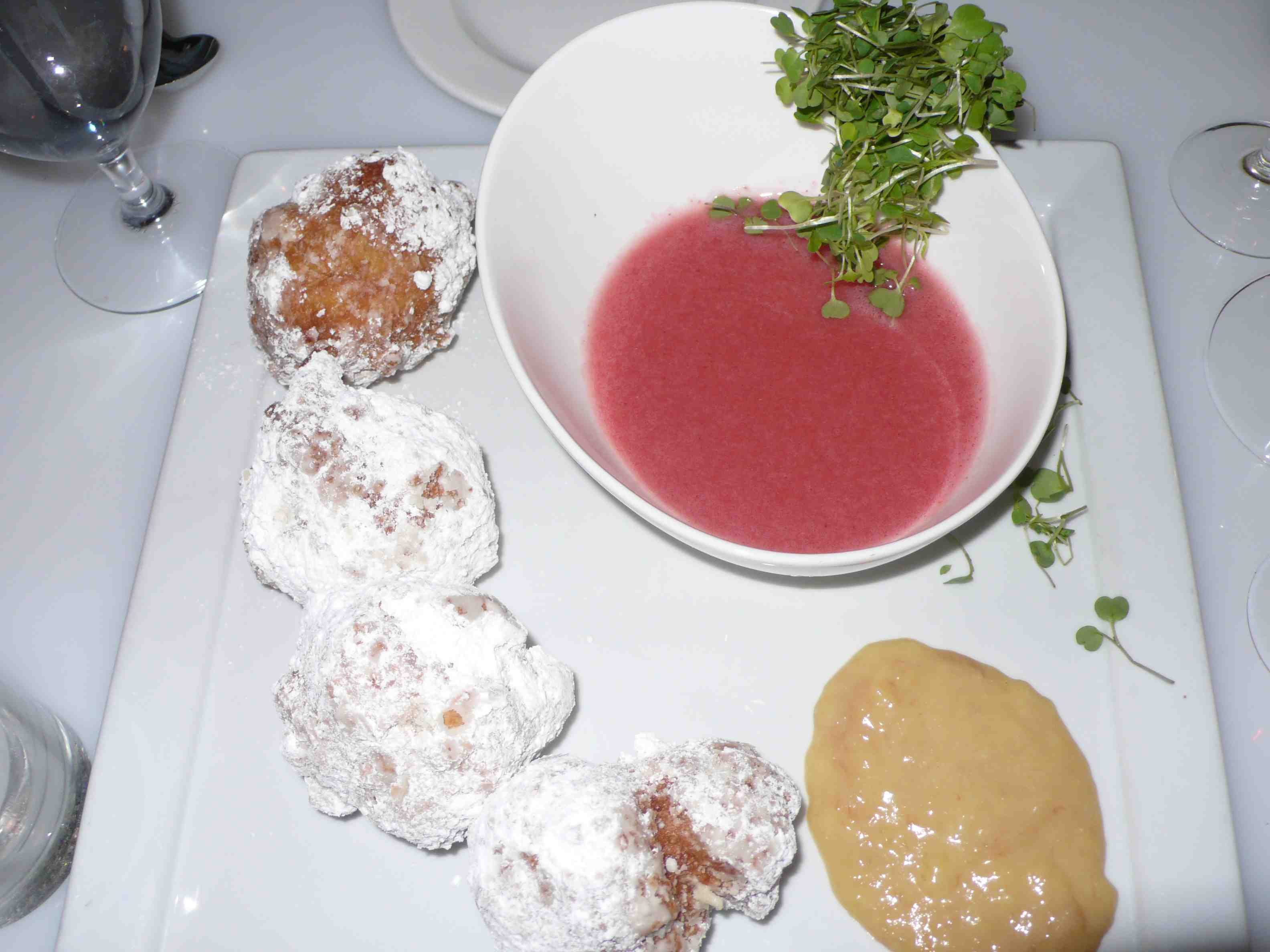 Beignets and strawberry soup, yummy.