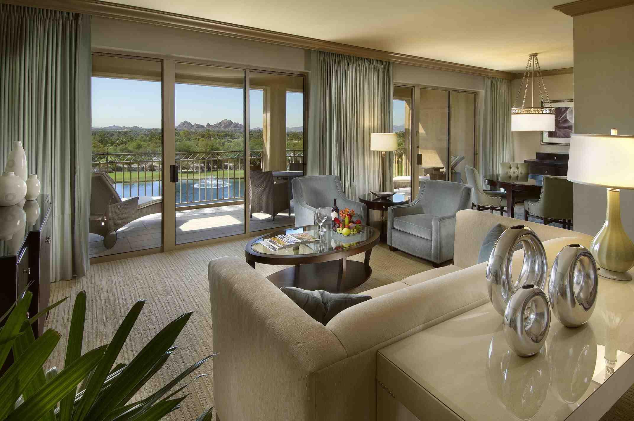 Phoenician suite