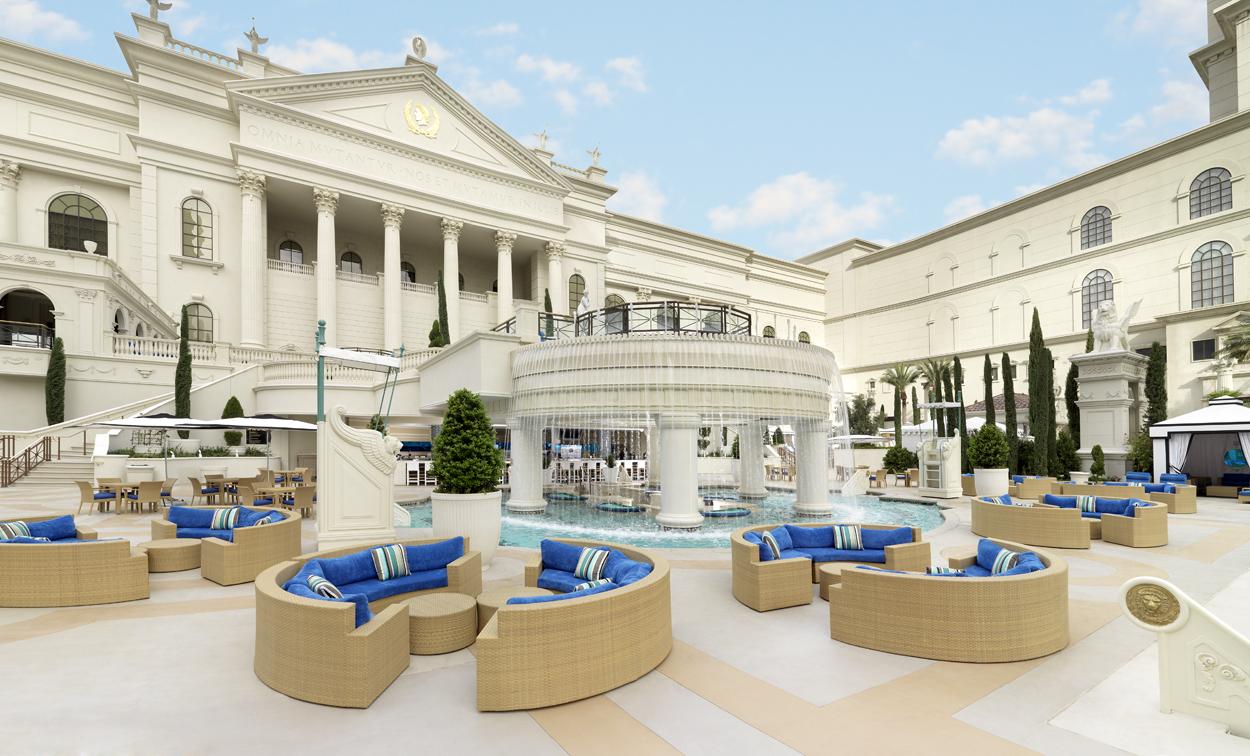 Caesars palace pool swim up bar the for Caesars swimming pool