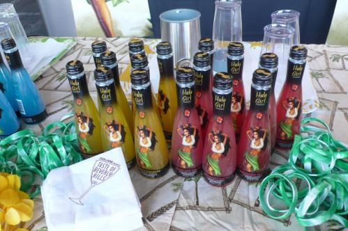 Hula girl drinks