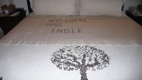 welcome message on bed