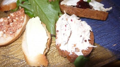 mackerel and avocado crostini