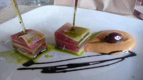 Tuna cucumber appetizer
