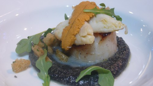 scallop with polenta al nero